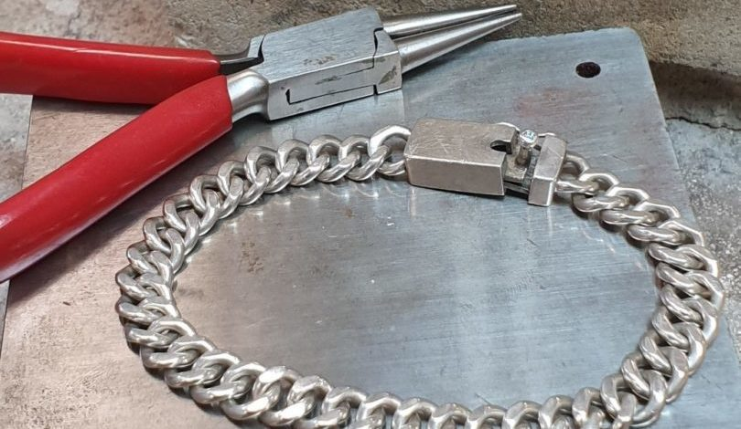 Chain making with the British Academy of Jewellery